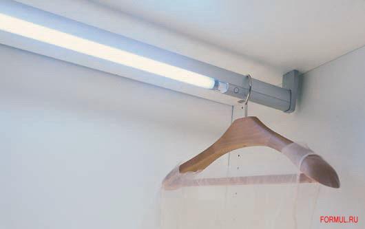 Штанга для одежды крепление на потолок.