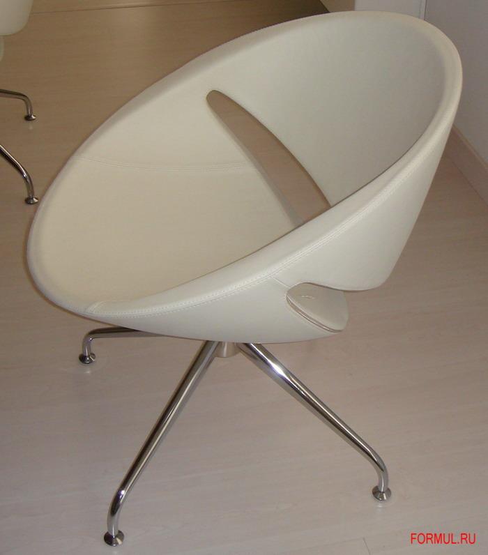 Кресло O.kitalia O`kitalia Amy в белой коже.