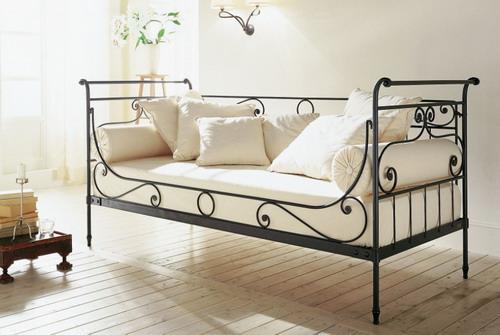 Кровать с кованой спинкой КР-17